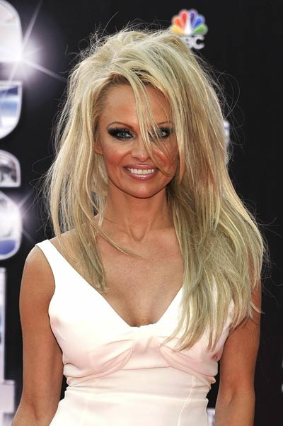 Pam Anderson Attacked By A 12 Wig J Lo The Johnny