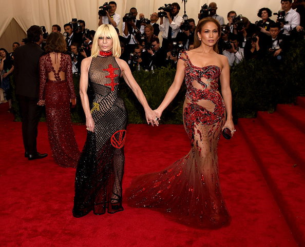 472176614-donatella-versace-and-jennifer-lopez-attend-gettyimages