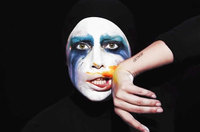 lady-gaga-applause-video-650-430